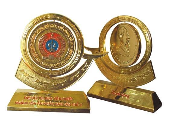 biểu trưng quà tặng bằng đồng kỷ niệm 50 năm