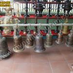 Chuông đồng dùng trong đền chùa, nhà thờ, điện thờ tiếng chuẩn