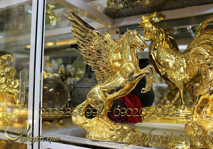tượng ngựa đồng có cánh mạ vàng, tượng ngựa bay bằng đồng