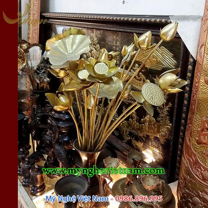 hoa sen đồng thờ cúng bày bàn thờ gia tiên
