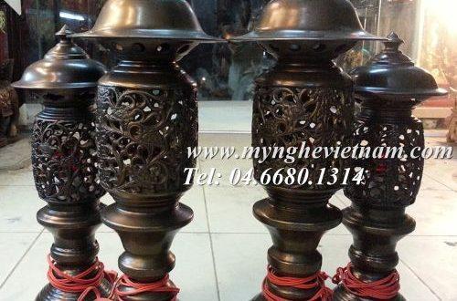 đôi đèn thờ bằng đồng cắm điện hình quả dứa, đèn phạt quang phổ chiếu
