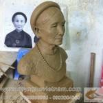 Điêu khắc tượng đồng làm quà tặng ông bà