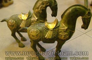 tượng ngựa cống phẩm cộc đuôi, tượng ngựa thờ yên vàng