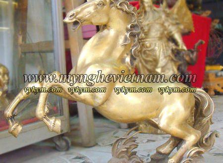 tượng ngựa đồng phi chân cao 40cm