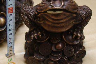thiềm thừ ngồi tiền bằng đồng cao 16cm đặt bàn thờ