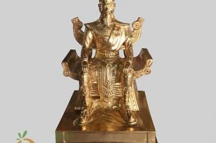 tượng vua hùng vương bằng đồng mẫu đền hùng