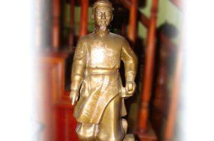 tượng vua lê lợi đồng đỏ khảm bạc
