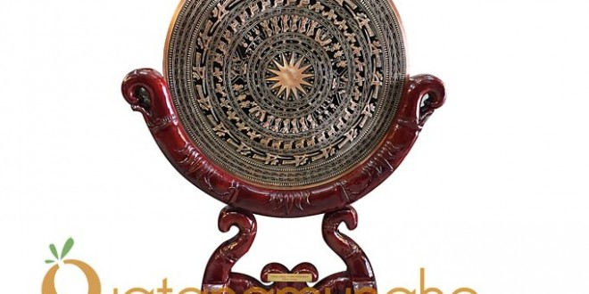 mặt trống đồng để lên giá gỗ giả đốt trúc đk 60cm 123