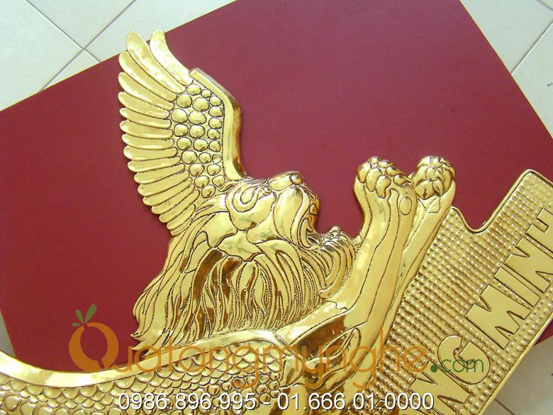 chế tác sản xuất logo công ty bằng đồng, logo mạ vàng 5