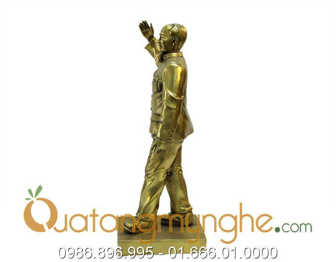 tượng bác hồ vẫy tay chào 40cm 1