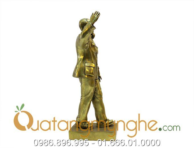 tượng bác hồ vẫy tay chào 40cm 3