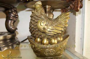 tượng gà mái ngồi thỏi vàng, tượng gà đẻ trứng bằng đồng 18cm
