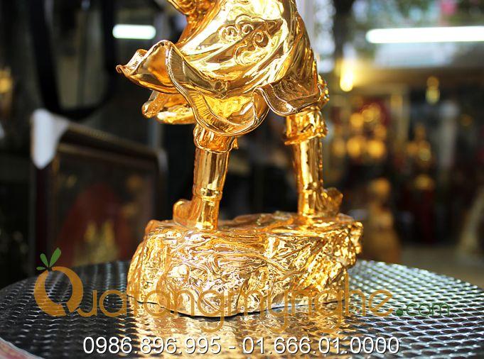 tượng trần hưng đạo chỉ tay mạ vàng 30