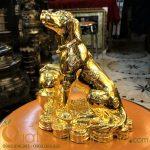 Tượng chó đồng mạ vàng cao 20cm làm quà biếu