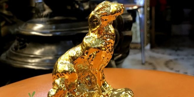 Tượng chó đồng cao 7cm mạ vàng làm quà lưu niệm