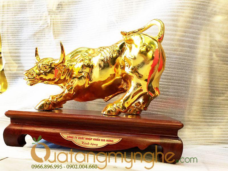 Quà tặng lưu niệm - Trâu vàng phong thủy 3