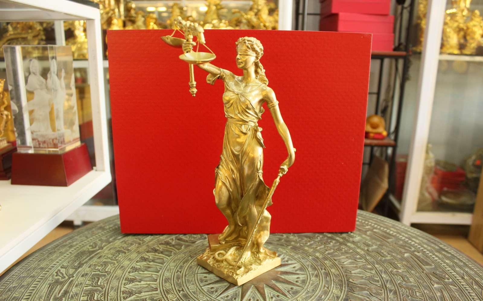 Tượng nữ Thần Công lý đúc đồng vàng cao cấp0